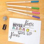 Crayons de couleur - Ensemble de crayons de couleur primes et pré-taillés pour le coloriage et le dessin- Gomme et taille-crayon GRATUIT- Excellent équipement pour le retour à l'école pour enfants et adultes- Livre de coloriage - 60 Couleurs de la marque image 2 produit